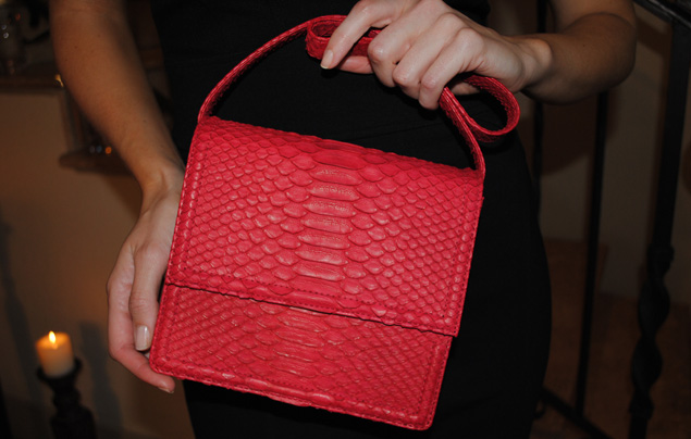 "A model shows off the ""Secretos"" bag."