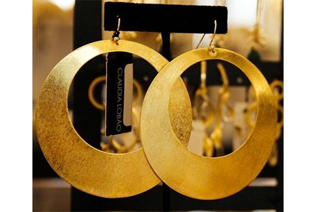 Claudia Lobao earrings