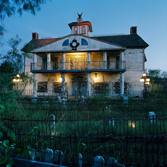Best Attractions In North Texas: Scare Yourself At These 10 Haunted Attractions In North