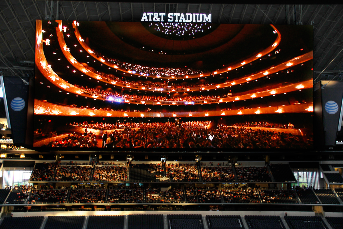 The Dallas Opera has gathered large audiences for simulcasts at venues like AT&T Stadium.