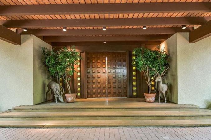 Hot property prairie style modernism by frank lloyd - Frank lloyd wright style ...