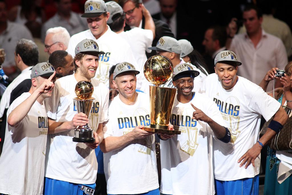 永遠不要低估一顆總冠軍的心,NBA歷史五支黑馬球隊逆襲奪冠,德佬單核帶隊最為經典!