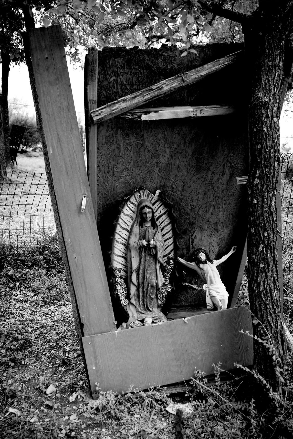 Campo Santos de Cemento Grande shrine to La Virgen de Guadalupe