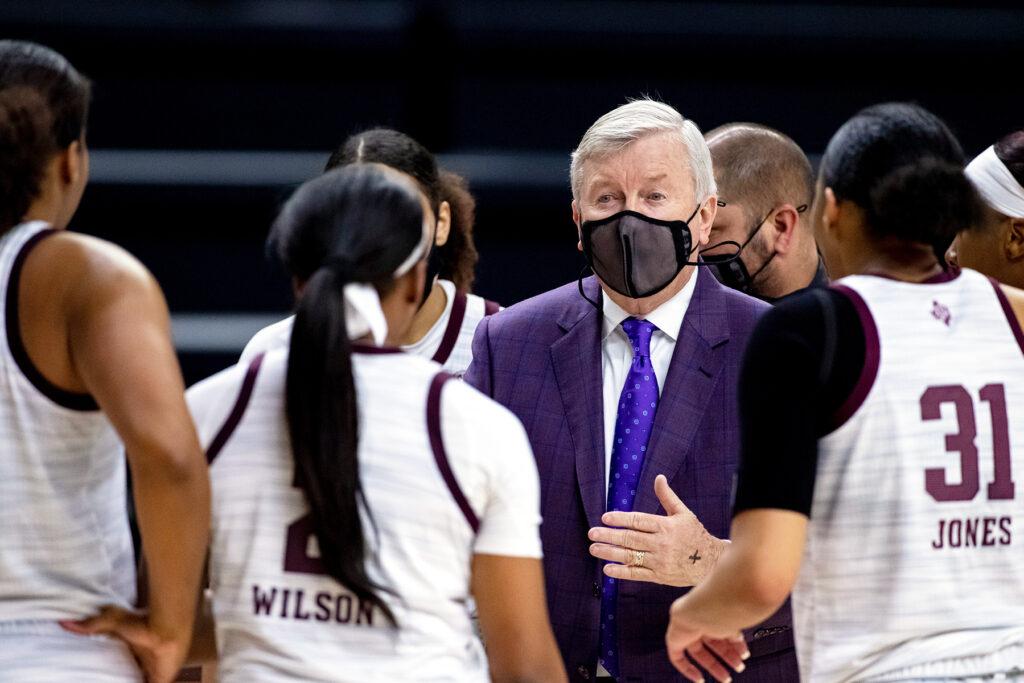 Gary Blair coaching Texas-A&M womens bball team