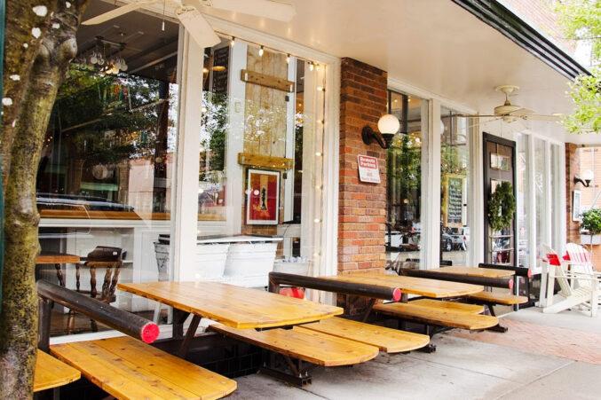 Eno's Pizza Tavern parklet