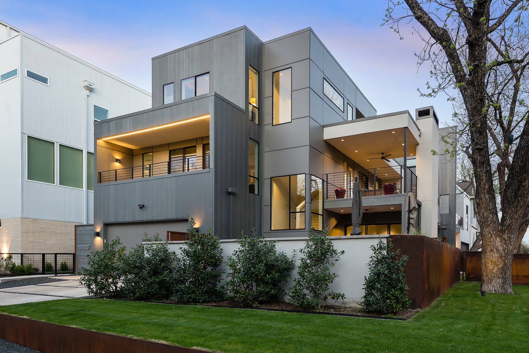 Stunning Standalone Near Downtown Dallas Is a Sight to Be Seen - D Magazine